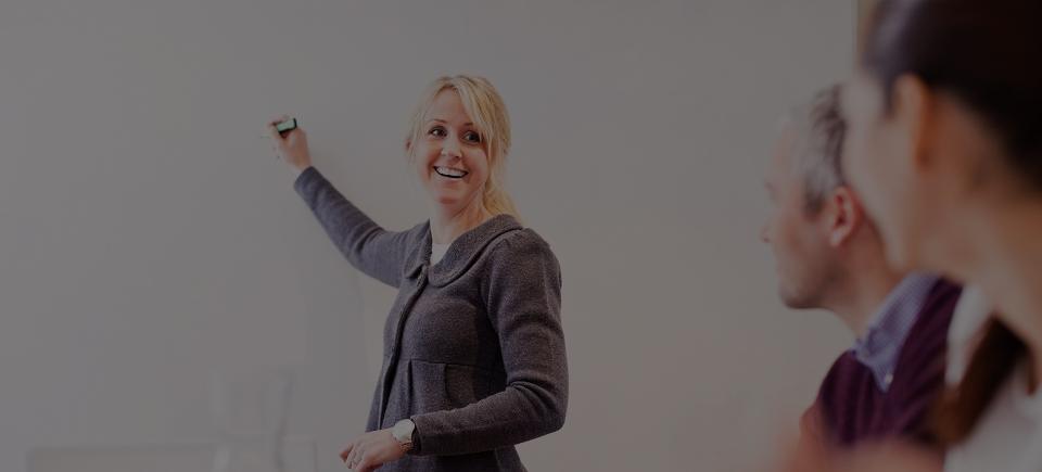 Työhyvinvointiin ja esimiestyön kehittämiseen yrityskohtaista valmennusta ja asiantuntijapalvelua