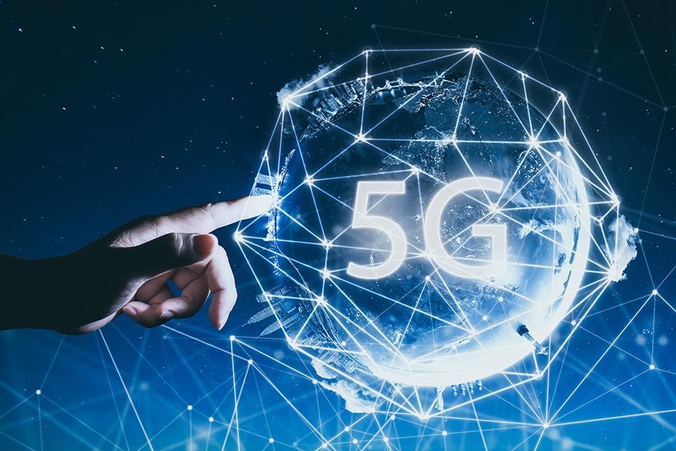Kahdeksan suomalaista kaupunkia kirivät yhteistyöllä maailman 5G-edelläkävijöiksi