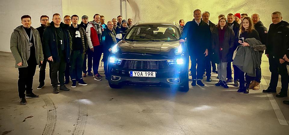 Geelyn innovaatiokeskus lainaa auton Oulun Automotive-klusterin käyttöön