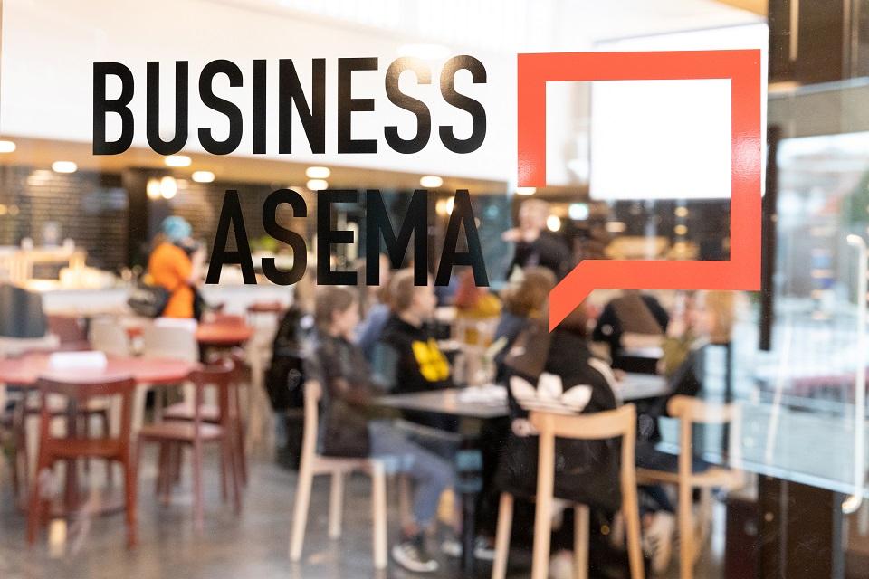 BusinessAseman toimintaan ja aukioloaikoihin muutoksia