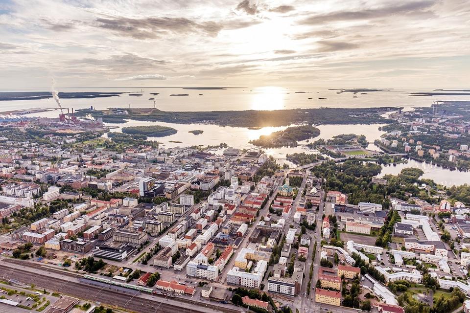 BBC ylistää Oulun nousua