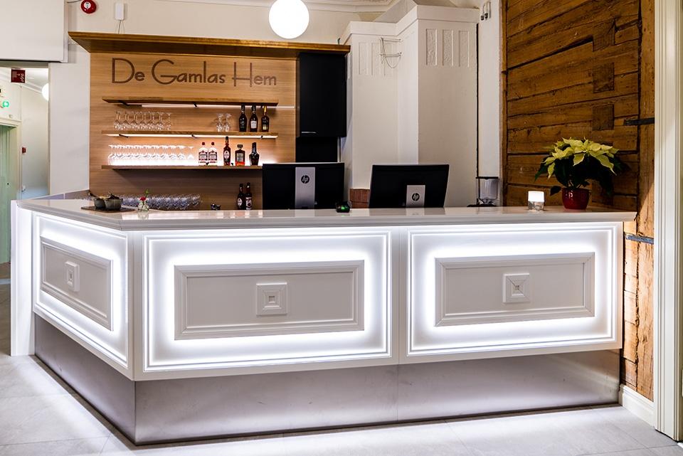 Historiallinen De Gamlas Hem avautuu elämyksellisenä hotelli-ravintolana