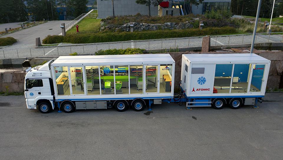 Konttivuokraus rakensi konttiin maailman ensimmäisen mobiilin palvelupisteen hiihtäjille