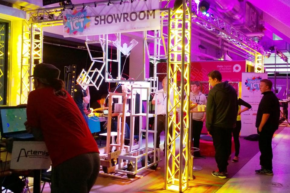 Choose ICT -toiminta ja showroom ihastuttivat Vectoramassa
