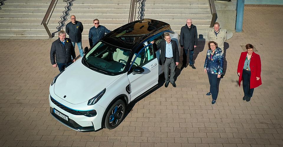 Geelyn uusi testiauto oululaisten yritysten kehitysalustaksi
